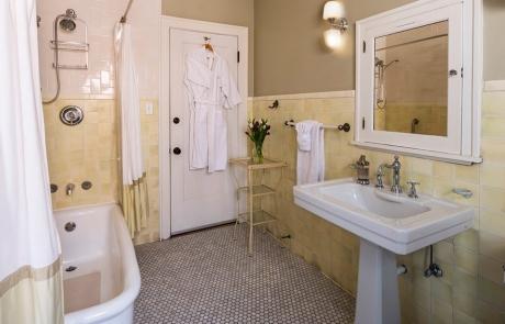 lang house chicago birchwood bathroom