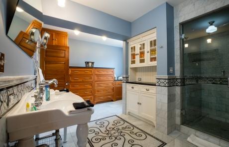 lang house chicago vip bathroom